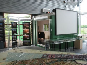 Interieur met ingeschoven container