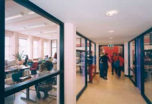 Museumpark: glazen puien docentenruimte