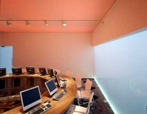 Workshopruimte met veranderende lichtkleur 2