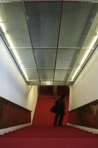 Trap met roosterplafond