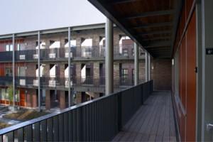 Appartementen rond de gemeenschappelijke open ruimte