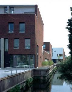 Zicht langs het water vanaf de Oude Haagweg