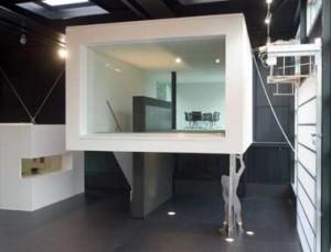 Vergaderruimte met ophaalbare trap