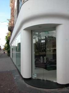 Vlakke winkelpui Overtoom Amsterdam