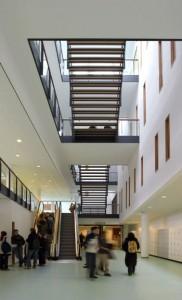 Centraal trappenhuis vanaf de begane grond