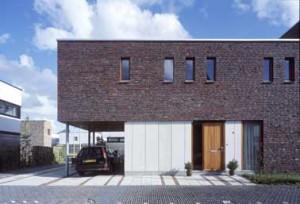 Gem leerd metselwerk voor villa vijfhuizen - Eigentijdse design ingang ...