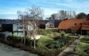 De villa's zijn gebouwd op een voormalig boerenerf