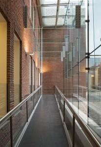 Buiten wordt binnen. Tweede doorgangszone met hellingbaanEx Interiors + Jaco de Visser Architects, Utrecht (NL)
