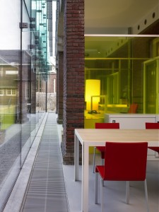 Werkplekken in de voormalige loggiaEx Interiors + Jaco de Visser Architects, Utrecht (NL)