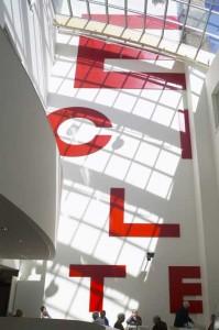 De 'leeskaart'verlaagt het atrium optisch
