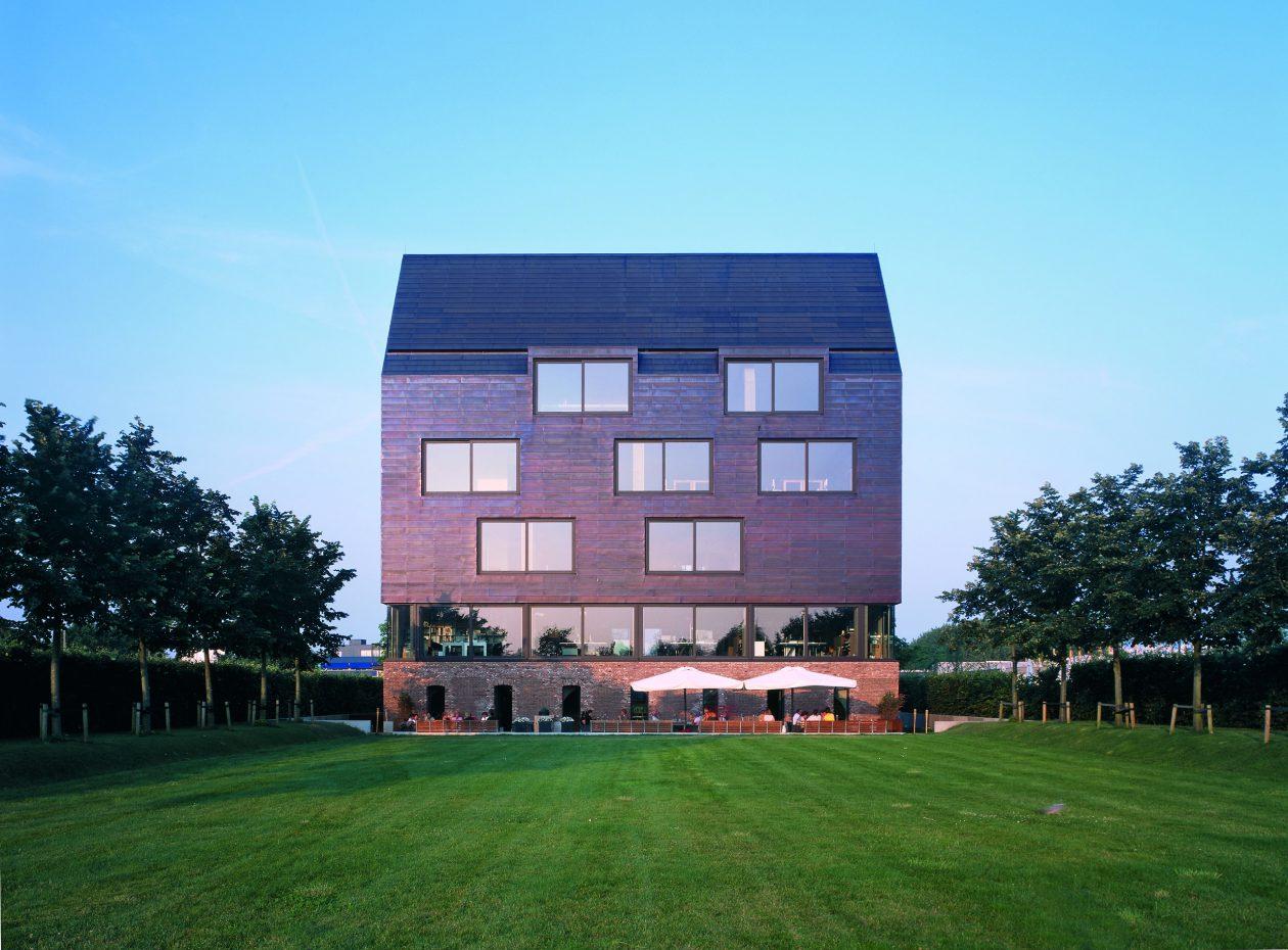 Huis de wiers vreeswijk for Huizen architectuur