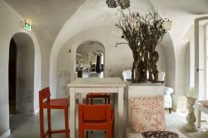 Restaurant in het gerestaureerde souterrain