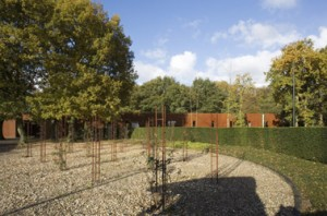 De rozentuin op de voormalige appelplaats