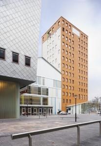 Nieuw plein aan de Bijlmerdreef