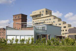 Museumlaan 16 met op achtergrond het Balengebouw en het zorgcluster