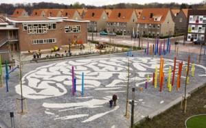 De Hersenpan, de speelplaats tussen de verschillende schoolgebouwen in