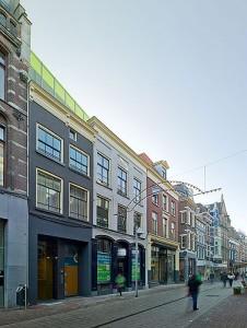 De drie monumentale gevels aan de Rijnstraat voor en na restauratie