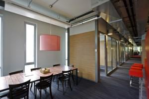 Brabantse gezelligheid in de koffiehoek van de docenten