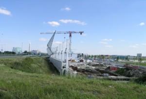 Zicht vanaf viaduct op bouwput kop, juni 2009
