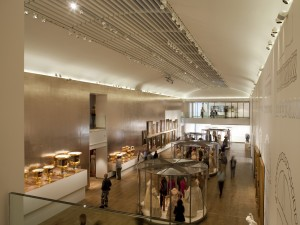 Een van de twee grote tentoonstellingszalen Foto Jacqueline Knudsen
