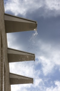Roestvrijstalen waterspuwers. Foto Arjen Schmitz.