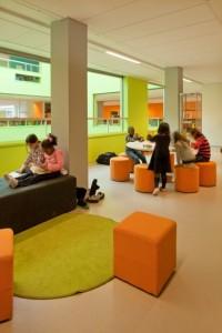 5 Nieuwe ruimte rond atrium als overloopruimte voor de lokalen