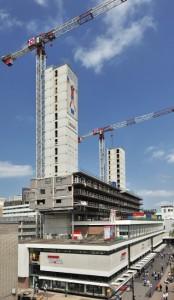 4 Vanuit het westen, september 2010: onderbouw is in gebruik terwijl bovenbouw wordt gerealiseerd