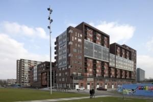1 Noordwesthoek met op de kop van de hoogbouw nieuwe koopappartementen en in de plint commerciële ruimten