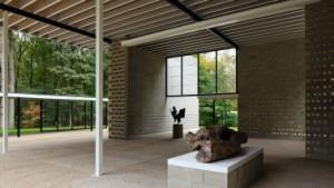 1 Het paviljoen oogt weer als nieuw en is dat ook bijna geheel, op de staalconstructie en enkele dakbalken na