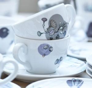 10 Koffiekopjes met collage van verschillende muziekinstrumenten als decoratie