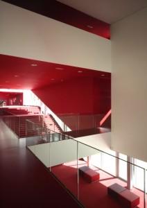 4 Doorzicht op entreehal vanaf de eerste verdieping