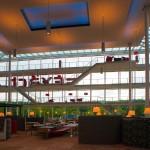 Het atrium als grote woonkamer en informele ontmoetingsplek