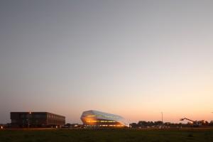 Het Space Business Park in Noordwijk met in het midden Decos en links het kantoor van AEOS, een ontwerp van JHK architecten.
