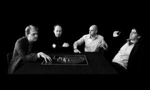 John van de Water, Michel Schreinemachers, Bart Reuser en Marijn Schenk richtten in 1999 NEXT Architects op om de eerste editie van the Modern Architecture Game te produceren.