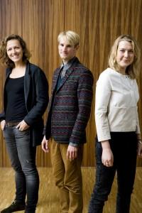 Architect Naomi Hoogervorst (links) vormt samen met landschapsarchitect Ronald Boer en socioloog Katusha Sol Studio Placemakers. Foto: Marijn Scheeres.