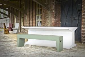 'Eigenlijk zijn de meubels helemaal custom made. Behalve de afmetingen natuurlijk. Die worden bepaald door het plastisch getal,' aldus meubelmaker Ad Gorisse.