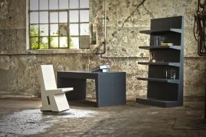 De collectie bestaat uit een open en een dichte tafel, een stoel, een open en een dichte bank, een open en dichte kast, een bureau en een ligbed, uitgevoerd in diverse houtsoorten en kleuren.