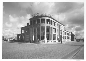 Haags Gemeentearchief -AutoPalace op Binckhorstlaan hoek Zonweg, foto ca. 1955