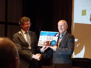 Rietveldprijs 2013 burgemeester Aleid Wolfsen en architect Jaco de Visser, 17 november 2013