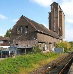 De Graansilo in Wehl in verval.