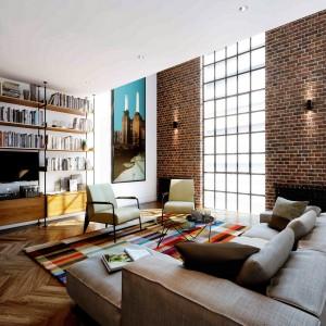 Woonkamer van een nieuw appartement in Batttersea Powerstation, ontwerp Michaelis Boyd