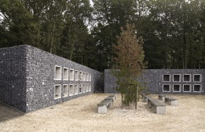 Duinhof bij Lisse, ontwerp Bureau SLA en P2 Landschapsarchitecten. Aan de buitenranden van de nieuwe terpen zijn bovengrondse muurgraven gemaakt • Foto Francois Hendrickx.
