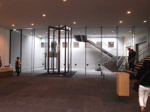 Ondergrondse entreehal. Foto Jacqueline Knudsen.