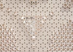 4. Een muur van open en dichte cirkels van architect Kjetil Thorsen (Snøhetta) voor Pibamarmi.