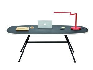 12. Oval Table met Swing Lamp van Alain Berteau voor het Belgische label Objekten.