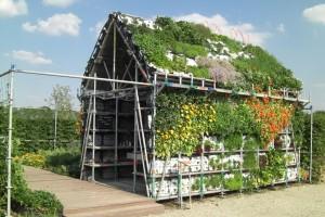 Verticaal moestuinieren op het eetbare huis. Foto: De Stuurlui