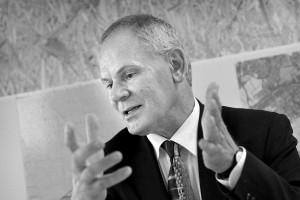 'Ik ben altijd van mening geweest dat het particulier initiatief alle ruimte verdient, het gelijk van die opvatting is overal in Almere zichtbaar' - Adri Duivesteijn. Foto: Mirjam van der Hoek