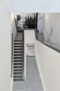 De zeven in 1988 gerenoveerde trappenhuizen zijn volledig gesloopt en vervangen door een eigentijdse invulling.  Foto: Bas Kooij