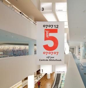 De bibliotheek is op 07-07-07 geopend en bestond dus onlangs 5 jaar.  Foto: Sjaak Henselmans
