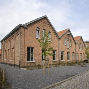 De voormalige schoenenfabriek bestaat uit drie delen van 8 bij 15 meter met elk een kap. Foto: Koos Groenewold